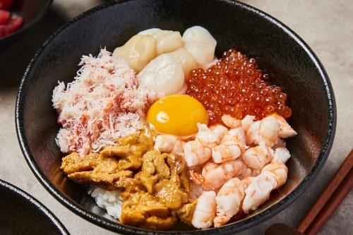 海鮮卵かけごはん専門店 潮風食堂
